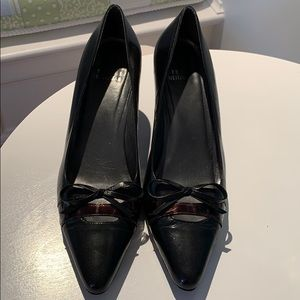 Stuart Weitzman Dark Brown Bow Kitten Heel, Size 9